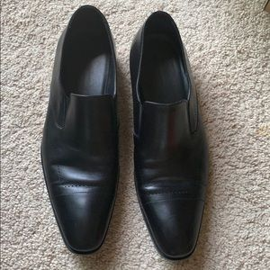 Hugo Boss pointed toe slip on dress shoes